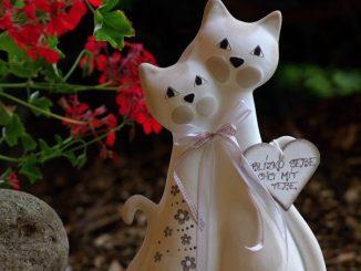 kočky z keramiky