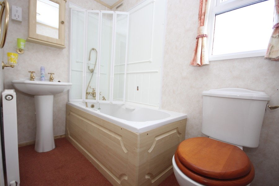 mobilheim-koupelna s vanou