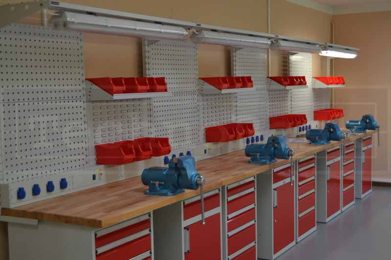 vybaveni-dilny-profesionalni-dilenske-stoly–dsc-0753_800
